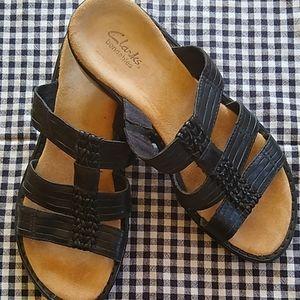 Clarks 8m black sandals